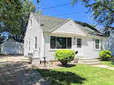 Neenah Single Family Home Active-No Offer: 148 Denhardt