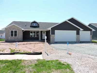 Menasha Single Family Home Active-No Offer: W6051 Ryford