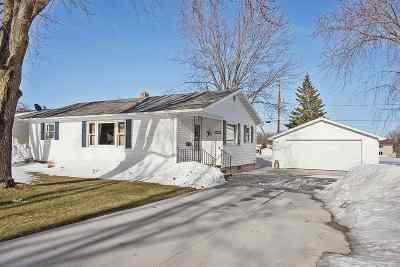 Seymour Single Family Home Active-Offer No Bump: 812 Fulton