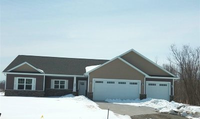 Neenah Single Family Home Active-Offer No Bump: 1300 Coneflower