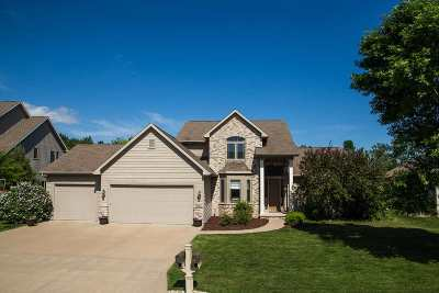 Neenah Single Family Home Active-No Offer: 1237 Nature Trail