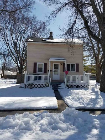 Neenah Single Family Home Active-Offer No Bump: 614 Maple