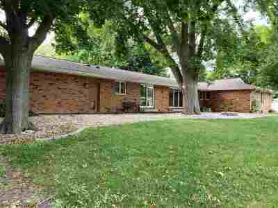 Oshkosh Single Family Home Active-No Offer: 956 Starboard