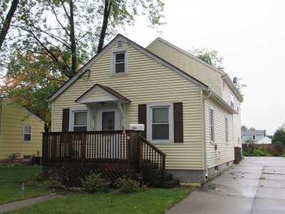 Menasha Single Family Home Active-Offer No Bump: 816 Appleton