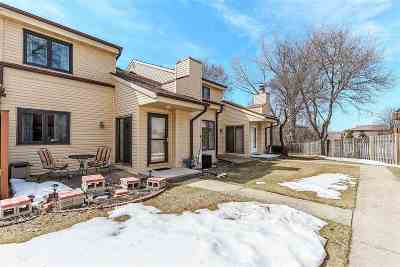 Appleton WI Condo/Townhouse Active-No Offer: $119,900