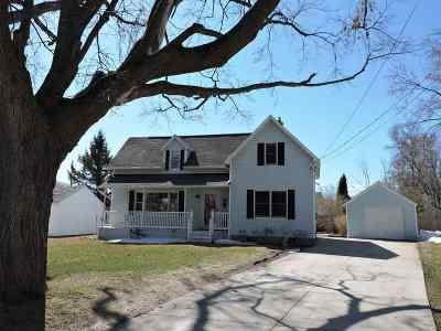 Little Chute Single Family Home Active-Offer No Bump: 613 E Main