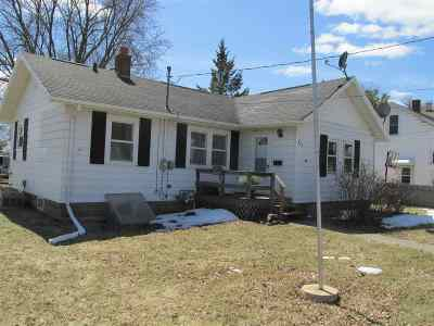 Little Chute Single Family Home Active-Offer No Bump: 823 Bluff