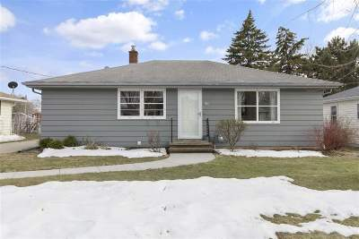 Kaukauna Single Family Home Active-Offer No Bump: 317 E 17th