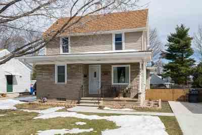 Menasha Single Family Home Active-Offer No Bump: 801 Appleton