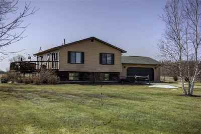 Winneconne Single Family Home Active-Offer No Bump-Show: 6115 Lake Poygan