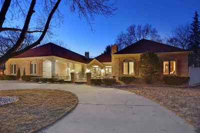 Brown County Single Family Home Active-No Offer: 1320 Oak Crest