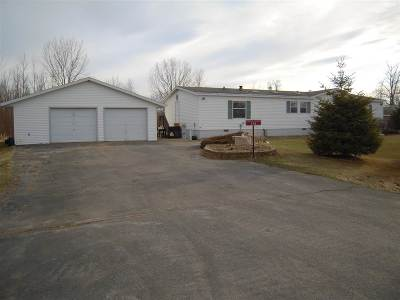 Little Suamico Single Family Home Active-Offer No Bump: 728 Lilac