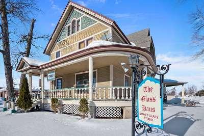 Green Bay Single Family Home Active-No Offer: 633 E Walnut