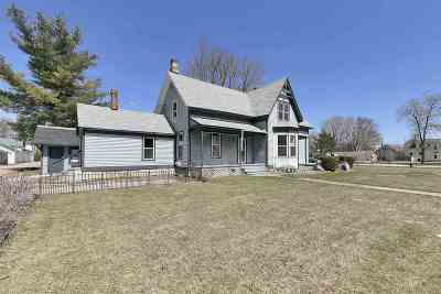 Shawano County Multi Family Home Active-No Offer: 719 S Franklin