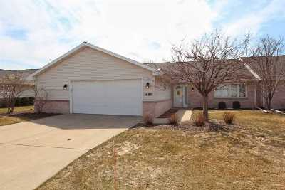 Green Bay Condo/Townhouse Active-No Offer: 1693 Twin Lakes