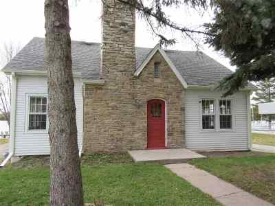 Winneconne Single Family Home Active-No Offer: 526 S 1st