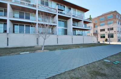 Green Bay Condo/Townhouse Active-No Offer: 101 Cherry #202