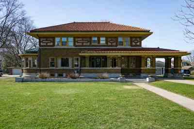 Oshkosh Single Family Home Active-No Offer: 1103 Washington