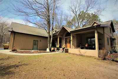 Green Bay Single Family Home Active-No Offer: 2762 Quiet Woods