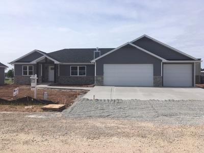 Menasha Single Family Home Active-No Offer: W6063 Zach