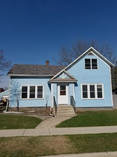Neenah Single Family Home Active-Offer No Bump: 721 Higgins