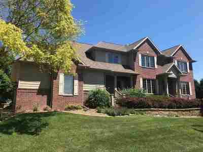 Appleton Single Family Home Active-No Offer: 412 E Tallgrass