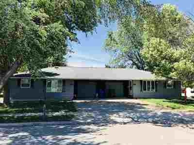 Kaukauna Multi Family Home Active-No Offer: 1221 Haen