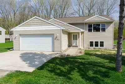 Menasha Single Family Home Active-Offer No Bump: 828 Brighton