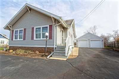 Little Chute Single Family Home Active-No Offer: 1721 W Main