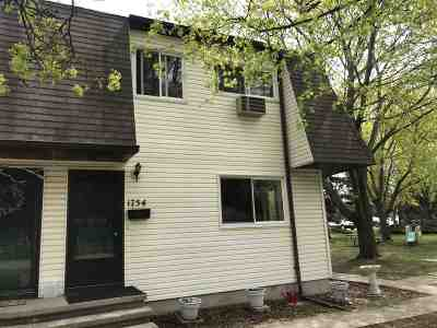 Neenah Condo/Townhouse Active-No Offer: 1754 Wendy