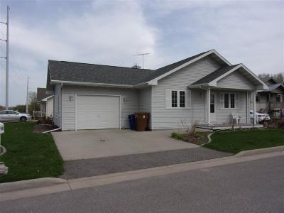 Menasha Single Family Home Active-Offer No Bump: 967 Mistflower