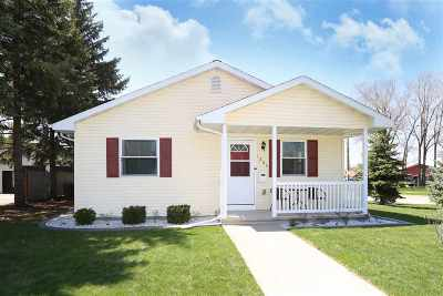 Neenah Single Family Home Active-Offer No Bump: 1203 Maple