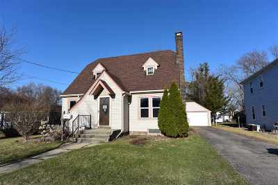 Menasha Single Family Home Active-Offer No Bump: 813 Racine