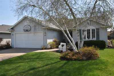 Neenah Single Family Home Active-No Offer: 2504 Bishops