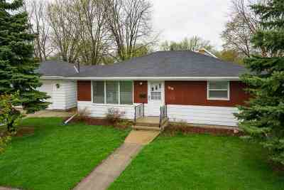 Little Chute Single Family Home Active-Offer No Bump: 1010 E Lincoln