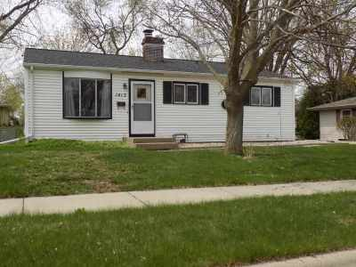 Kaukauna Single Family Home Active-Offer No Bump: 1413 Kenneth