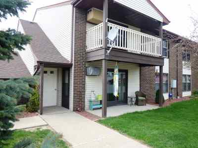 Green Bay Condo/Townhouse Active-Offer No Bump: 1045 Marvelle #B10