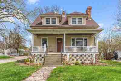 Neenah Single Family Home Active-No Offer: 507 W Northwater