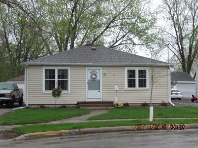 Menasha Single Family Home Active-Offer No Bump: 605 School
