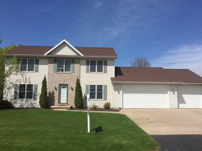 Appleton Single Family Home Active-Offer No Bump: N9119 Oak Lawn