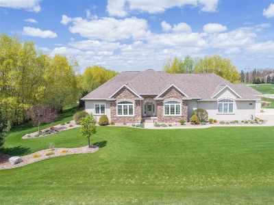 Green Bay Single Family Home Active-Offer No Bump: 2545 Meadow Breeze