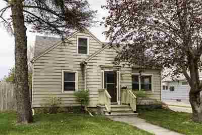 Oshkosh Single Family Home Active-No Offer: 1012 E New York