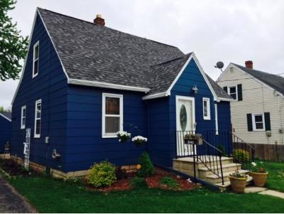 Menasha Single Family Home Active-Offer No Bump: 341 Lisbon