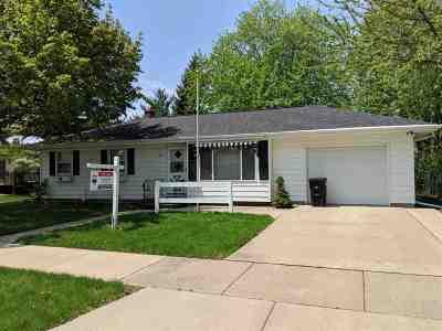 Oshkosh Single Family Home Active-Offer No Bump: 411 Hawk