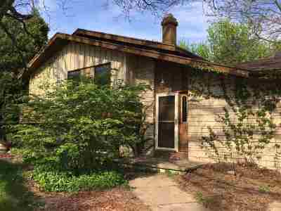 Appleton Single Family Home Active-No Offer: 16 Crestview