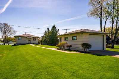 Winneconne Single Family Home Active-Offer No Bump: 333 S 1st