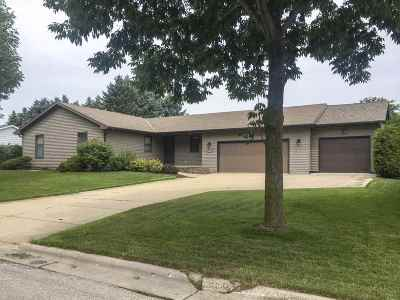 Green Bay Single Family Home Active-No Offer: 2965 E Enderby