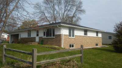 Luxemburg Single Family Home Active-Offer No Bump: 512 Pine