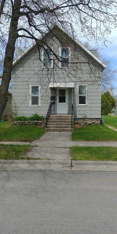 Marinette County Multi Family Home Active-No Offer: 1132 W Hosmer