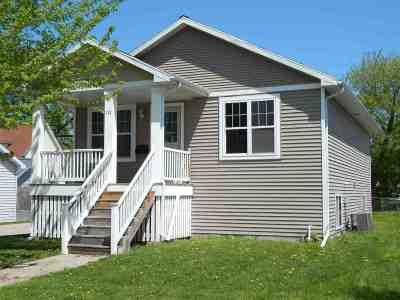 Oshkosh Single Family Home Active-No Offer: 572 Grand